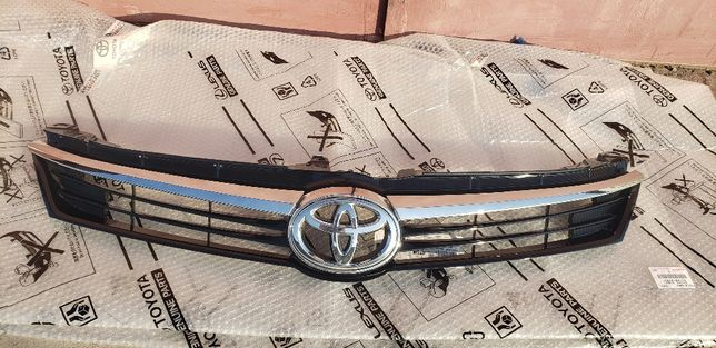 Решетка бампера Toyota Camry 2014-17гг, 53101-33510