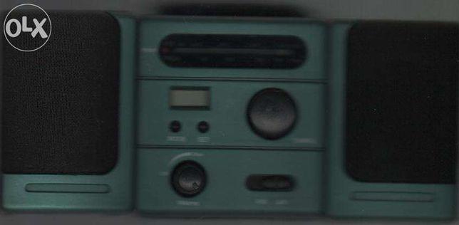 Rádio miniatura a pilhas de colecção