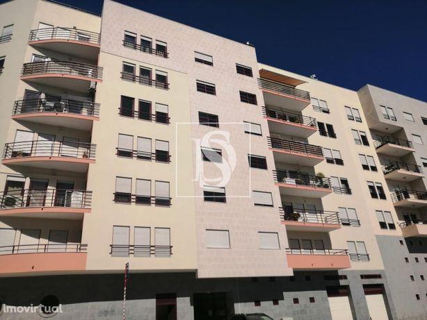 Apartamento T3 em Linda a Velha