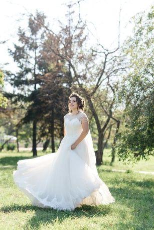 Продам хорошенькое свадебное платье!