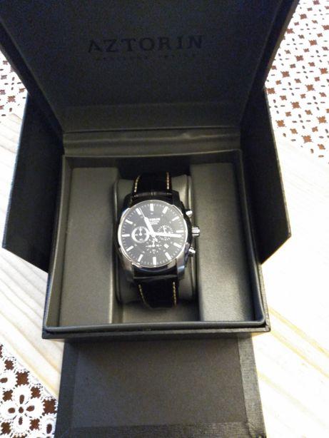 Zegarek Aztorin srebrny z czarna tarcza
