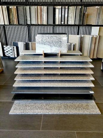 Granit - płytki, stopnice / Różne wykończenia i formaty. Taras, schody