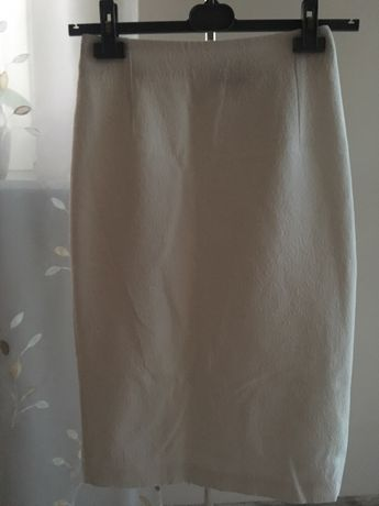 Kremowa spódnica Mohito XS