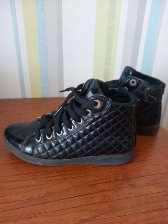 Ботинки Geox на девочку 35р по стельке 22,5 см