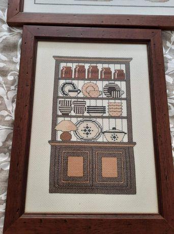 Conjunto de 8 quadros em ponto cruz c/ moldura de madeira e vidro