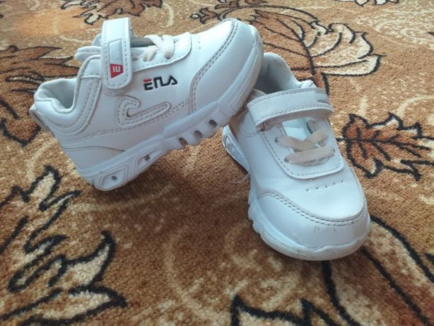 Продам капчики кросівки
