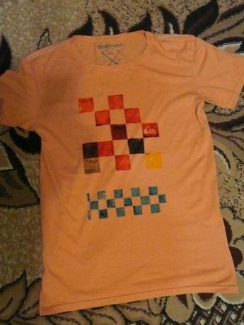 футболка Quiksilver розмер M-L original .