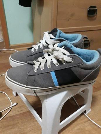 Продам роликові кросівки