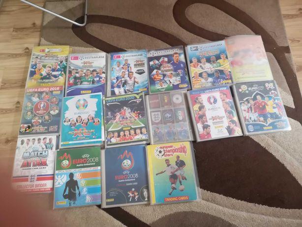 Karty piłkarskie z różnych edycji