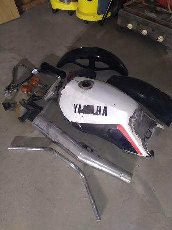 Części Yamaha xj600 51j xj650 bak kierownica światła 200zł za całość