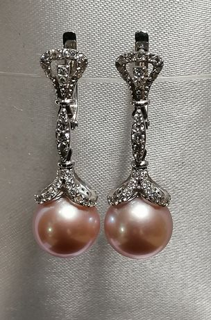 Золотые серьги с натуральным морским жемчугом и бриллиантами