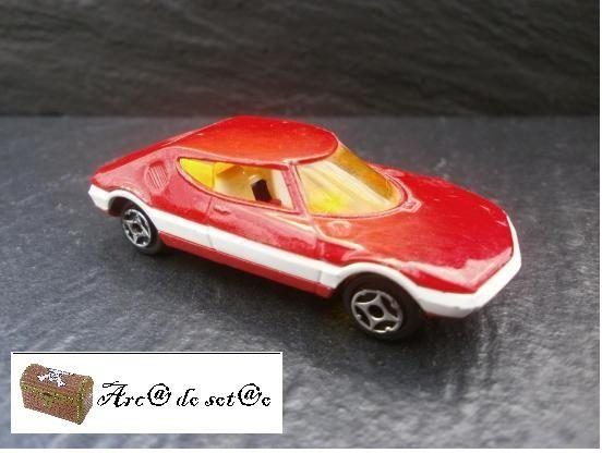 MUITO RARO - TRAPEZE BERTONE (Vermelho) Mini Jet da Norev - 1970's