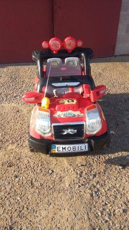 Электромобиль детский +  пульт управления