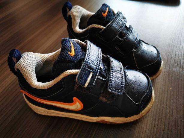 Buciki dziecięce Nike rozm. 22