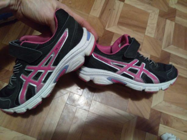 Спортивні кросівки Asics