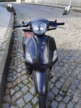 Vendo Scooter Zahara 50CC
