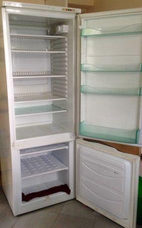 Oddam sprawną lodówko-zamrażarkę Polar CZ300.