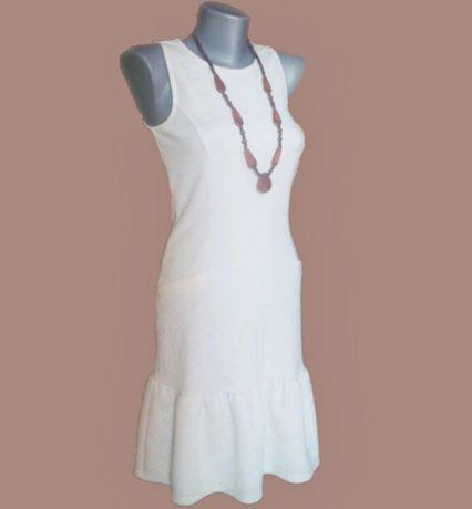 Фактурное платье с оборкой баской Atmosphere