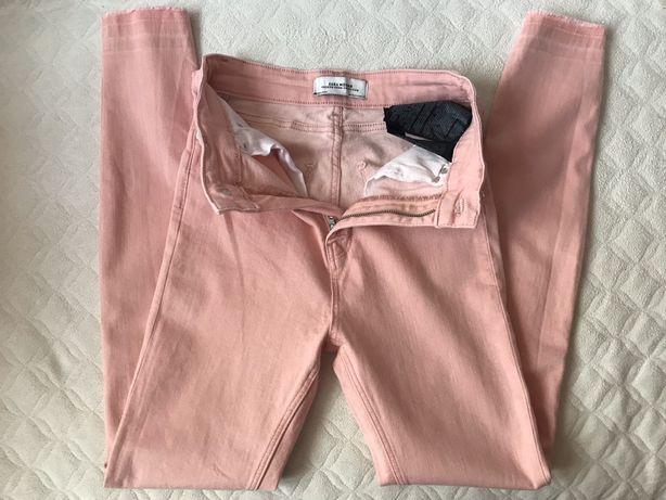 Spodnie marki Zara jeans pudrowy róż rozmiar 34 stan b. dobry