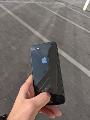 Айфон 8 на 256 г