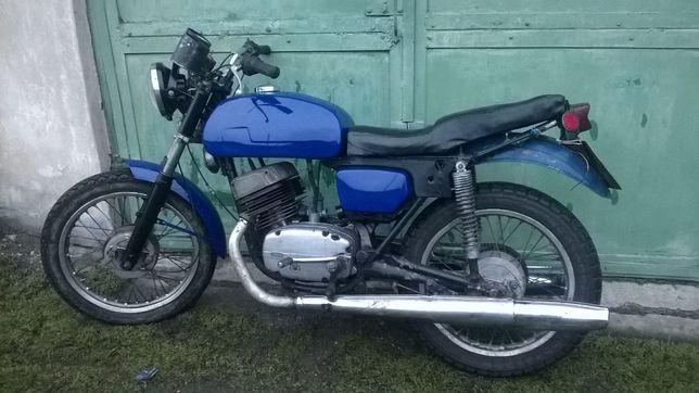 Чезет CZ 350 мотоцикл темно синего цвета