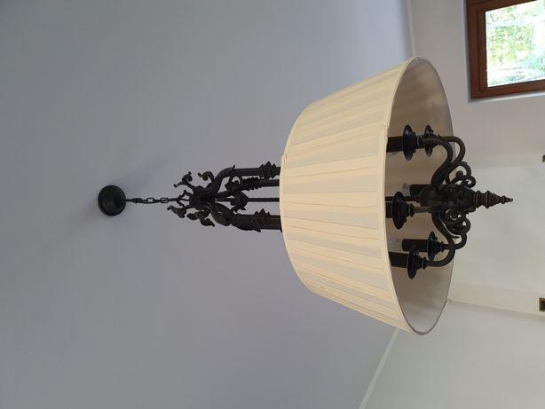 Żyrandol antyczny styl, kuty metal, beżowy abażur