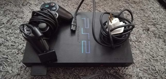 PlayStation 2 FAT + (Kable, pad czarny, karta pamięci 8MB + GRA)