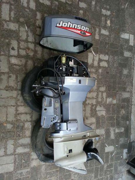Мотор подвесной с машинкой тросами и приборами.Возможен обмен.