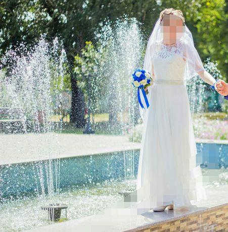 Свадебное платье;