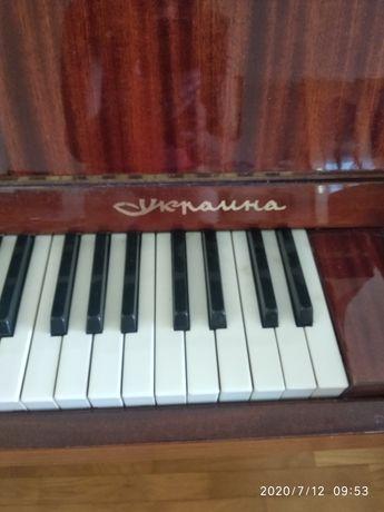 """Фортепиано """"Украина"""""""