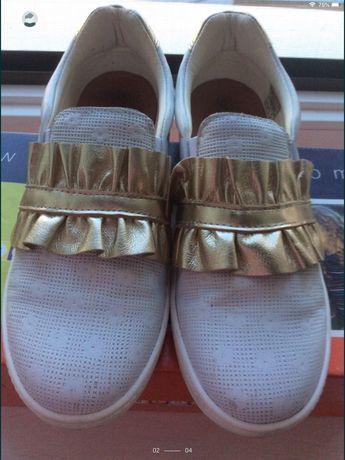 Взуття для дівчинки роз.34 ;