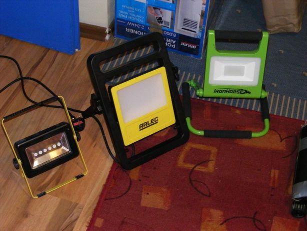 Nowe robocze naświetlacze LED 20-45 wattów akku i sieciowe