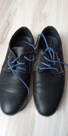 Pantofle, czarne