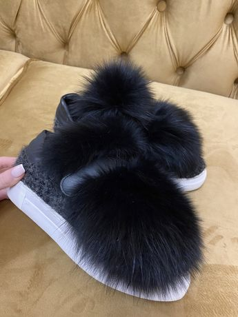 Обувь Moncler с мехом