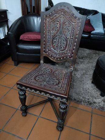Cadeira Monárquica