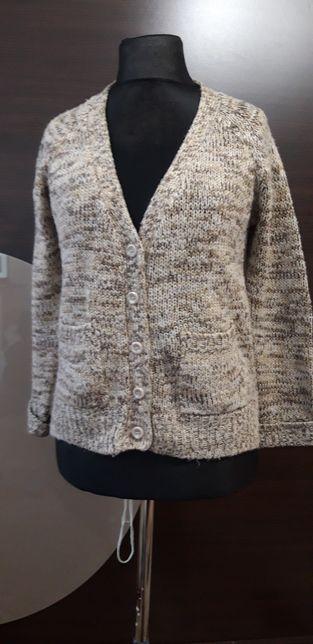 Sweter zapinany na guziki 36