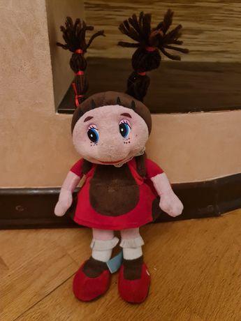 Музыкальная кукла божья коровка Мила из мультфильма Лунтик.