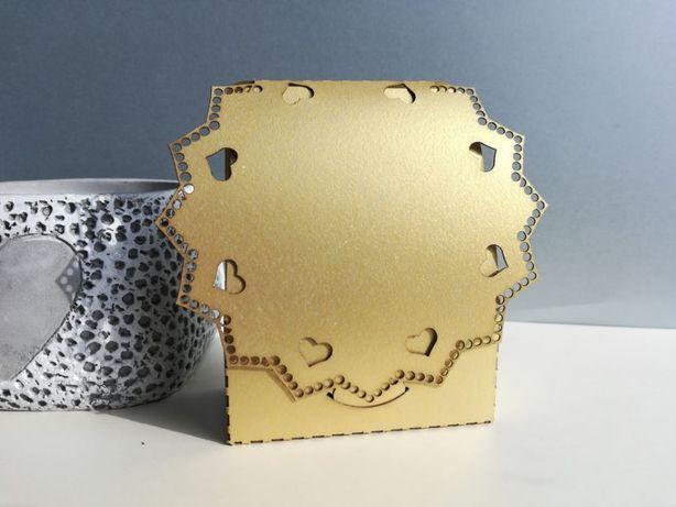 Laserowe pudełka podziękowania dla gości na Komunię ażurowe
