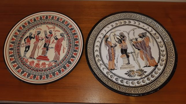 Zestaw dwóch talerzy greckich ceramika na ścianie