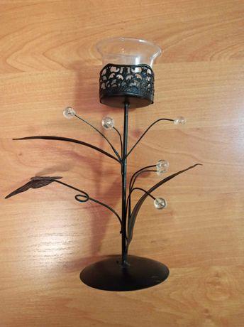 Świecznik metalowy z koralikami