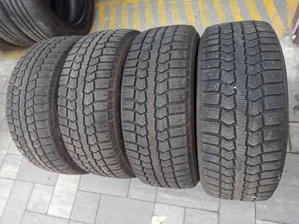 Зимняя резина 215/55 R16 Pirelli Ice Control