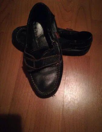 Sapatos Azuis menino tamanho 32