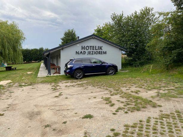 Hotelik nad jeziorem, Bon Turystyczny
