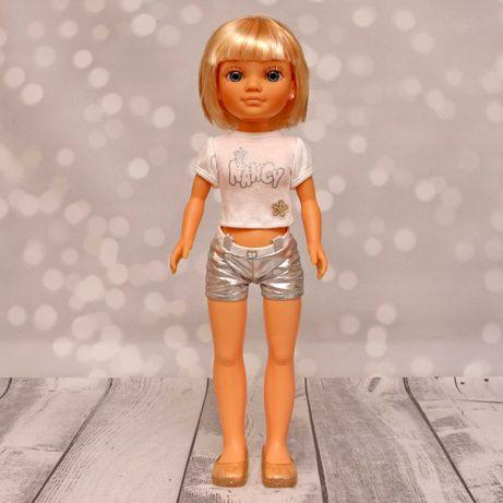 Hiszpańska lalka Nancy Famosa 42cm srebrno białe ubranko