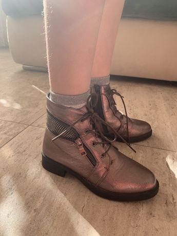 Ботинки для девочки демисезонные 33-34 размер