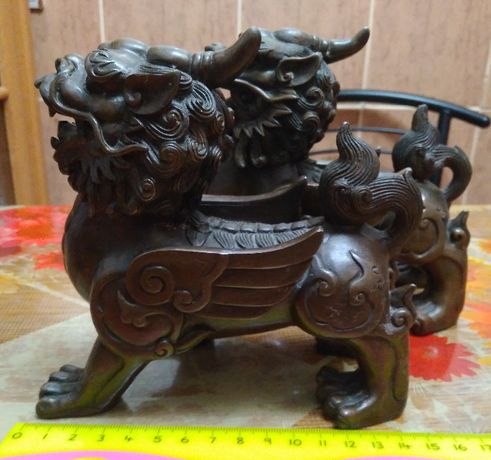Бронзовые статуэтки божественных китайских львов стражников