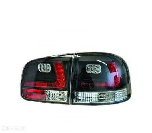 FAROLINS TRASEIROS LED VW TOUAREG 02-10 PRETO