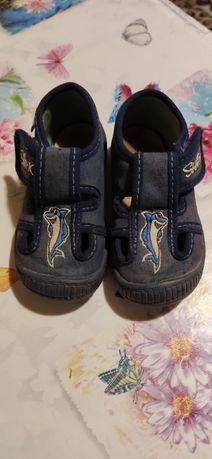 Дитяче взуття, розмір 22