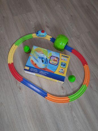 Железная дорога Tomy. Первый поезд Tomy lego