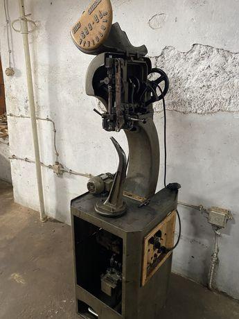 Maquina de coser sapatos